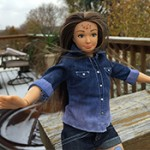 Panenka Barbie v realistickém provedení – Má akné, modřiny i strie!