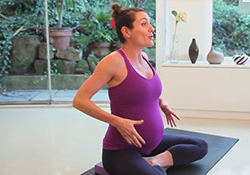 Těhotenská jóga vás udrží během těhotenství fit a připraví i na porod!